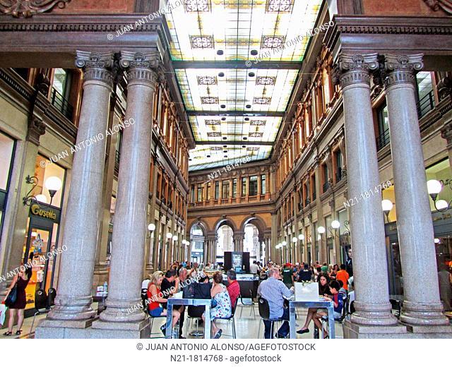 Galleria Alberto Sordi  Piazza Colonna  Rome, Lazio, Italy, Europe
