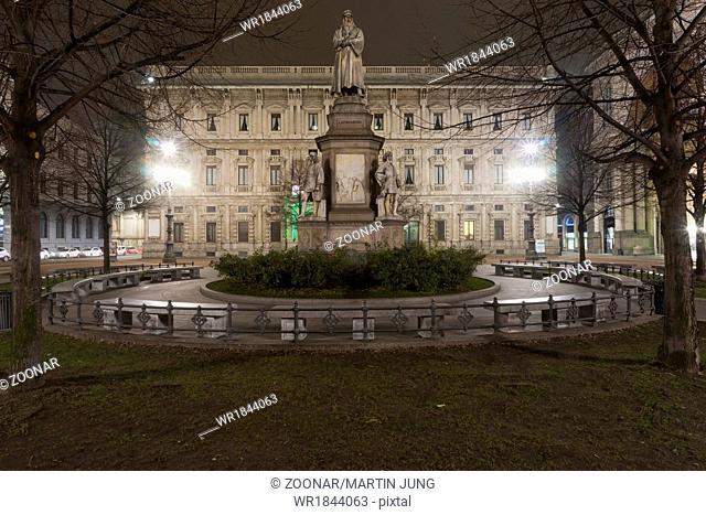 Monument to Leonardo da Vinci, Milan