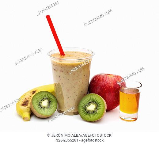 Natural juice: kiwi, banana, apple and honey