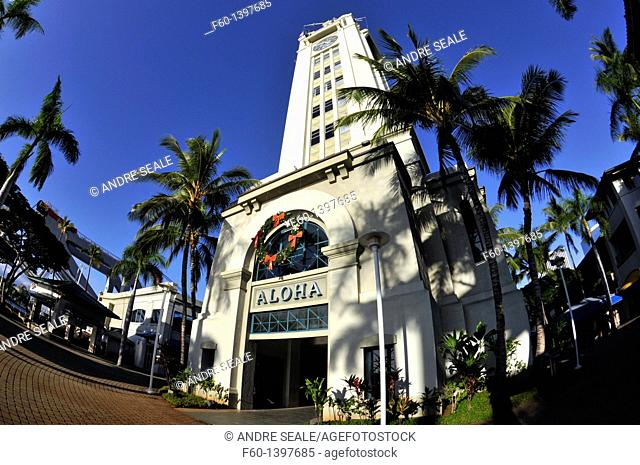 Aloha Tower, Hawaiian landmark built in 1926, Honolulu, Oahu, Hawaii, USA