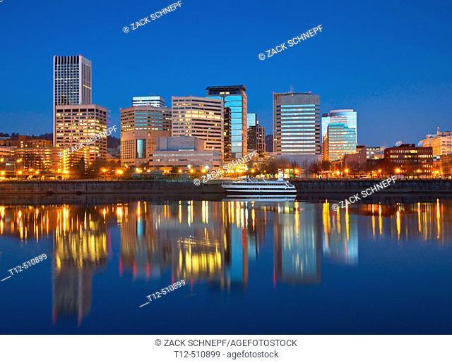 dawn on the Willamette River along Portland's waterfront
