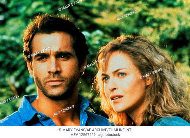 Adrian Paul & Alexandra Vandernoot Characters: Duncan 'Mac & Tessa Noel Television: Highlander (1992) Director: Ray Austin 06 October 1992