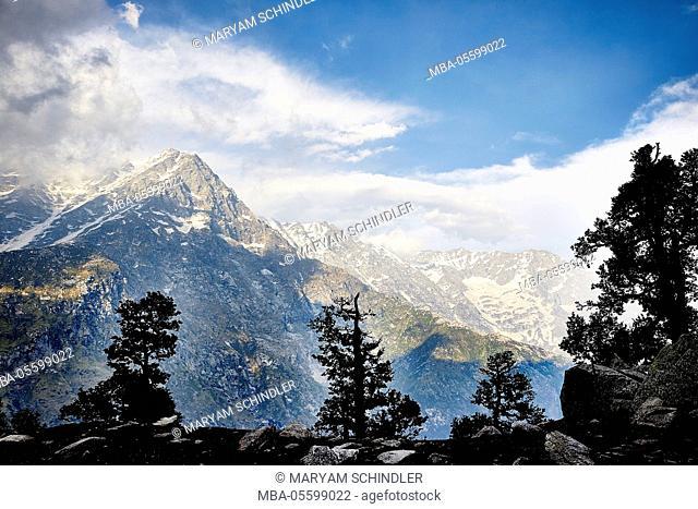 the Indian Himalayas, Indrahar pass, snow summit, Dhauladhar, Himachal Pradesh, India