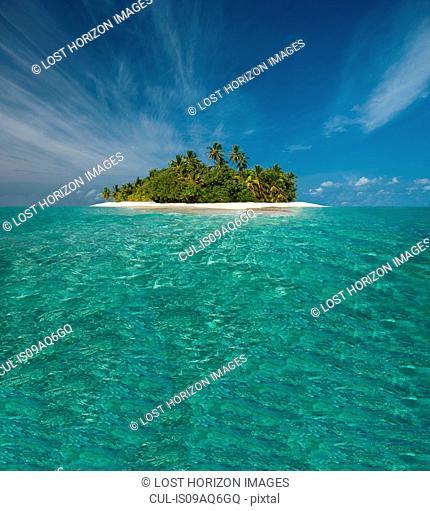 Tropical island, Ari Atoll, Maldives