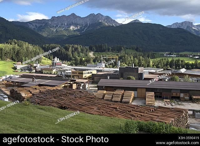 Scierie Ligna S. A. S, Rasun di Sotto, Val Pusteria, Region du Trentin-Haut-Adige, Tyrol du Sud, Italie, Europe du Sud/Sawmill Ligna S. a