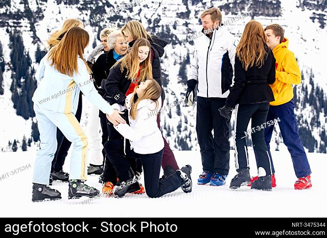 LECH - King Willem-Alexander and Queen Maxima of the Netherlands pose with their daughters in Lech am Arlberg