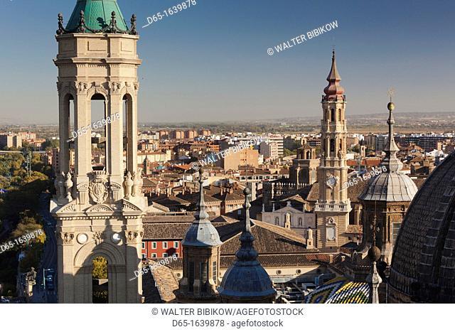Spain, Aragon Region, Zaragoza Province, Zaragoza, Basilica de Nuestra Senora del Pilar, elevated view from the Torre Pilar tower