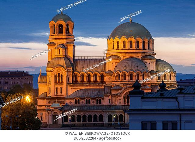 Bulgaria, Sofia, Ploshtad Alexander Nevski Square, Aleksander Nevski Church, elevated view, dawn