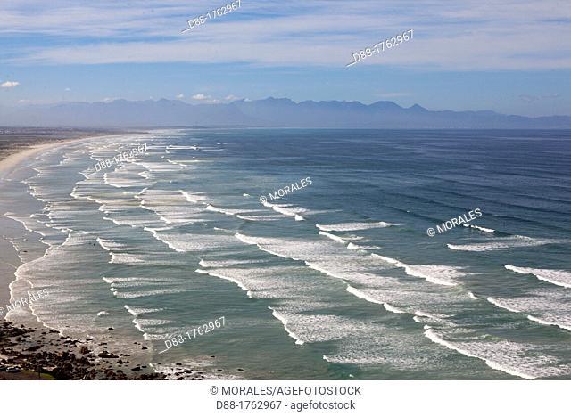 South Africa, Western Cape, Cape Peninsula, False Bay, Muizenberg, the bay and the beach