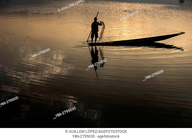Fisherman working at the Tharzi Pond in Nyaungshwe, Myanmar