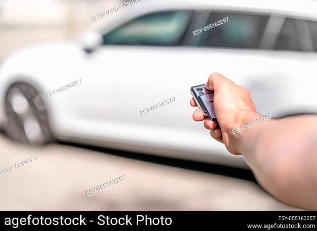 Locking the car by remote control
