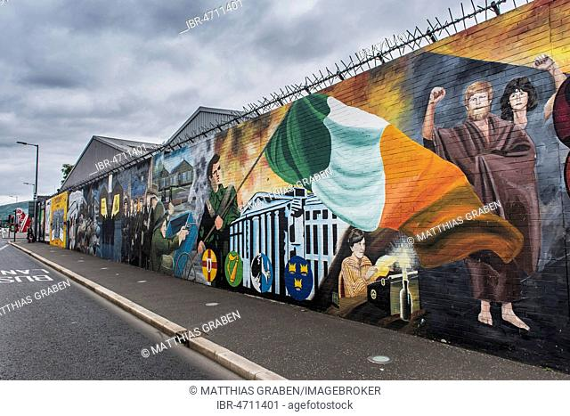 Political graffiti on wall in West Belfast, reminiscent of the civil war between Protestants and Catholics, Belfast, County Antrim, Northern Ireland