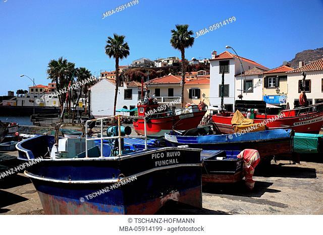 Island Madeira, fishing place, Camara de Lobos, harbour and centre