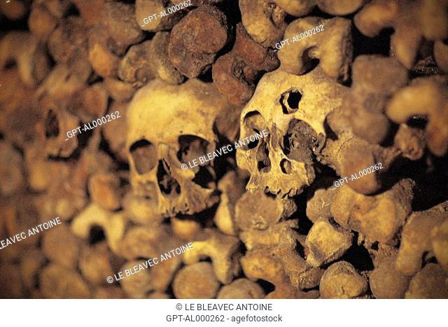 SKULLS AND BONES IN THE CATACOMBS OF PARIS, 14TH ARRONDISSEMENT, PARIS 75