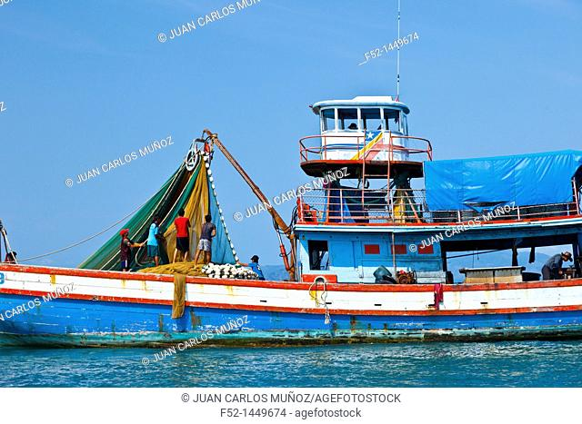 Fishing  Krabi coast  Krabi province, Andaman Sea, Thailand, Asia