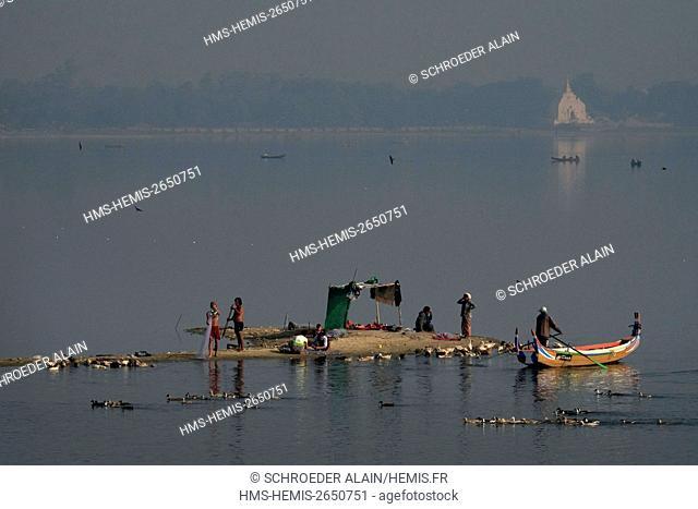 Myanmar, Mandalay, Mandalay Province, next to U Bein Bridge, Lake Taungthaman and fishermen