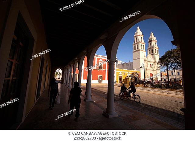 Framed view to the Catedral de Nuestra Senora de la Purisima Concepcion-Cathedral of Campeche at Zocalo in the historical center, Campeche City, Campeche State