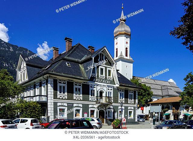 Garmisch-Partenkirchen, Garmisch, pharmacy, parish church of St. Martin, Werdenfels, Bavaria, Upper Bavaria, Germany