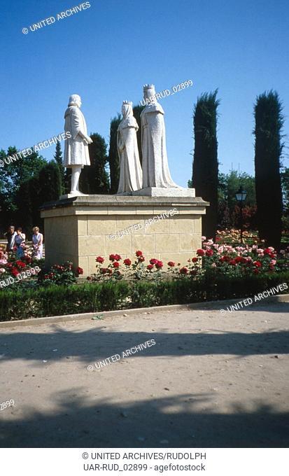 Das Columbusdenkmal in den Gärten des Alcázar de los Reyes Cristianos in Córdoba, Andalusien, Spanien 1980er Jahre. The Columbus memorial in the gardens of...