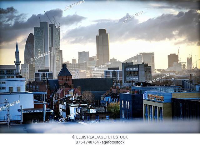 Vista de la City al atardecer desde East London, Londres, England, UK, View of the City from East London, London, England, UK