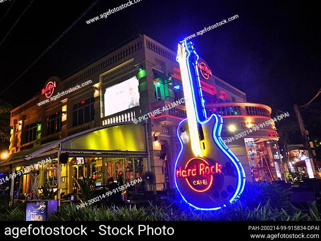 24 October 2019, Cambodia, Siem Reap: Evening shot of the Hard Rock Cafe (HRC) in the city centre. Photo: Soeren Stache/dpa-Zentralbild/ZB