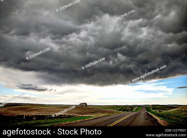 Prairie Storm Clouds Canada Saskatchewan Summer Warnings
