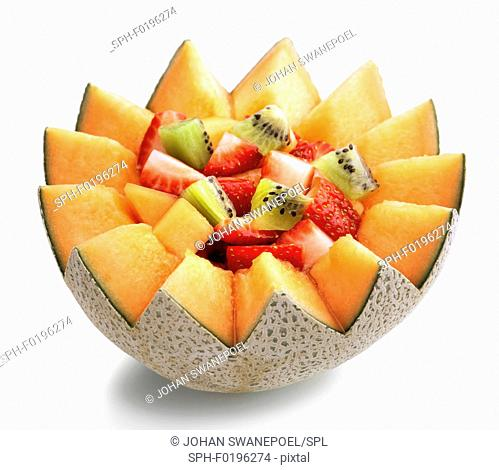 Cantaloupe melon, strawberries and kiwi