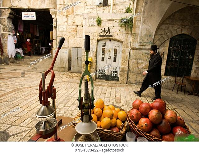 Juice vendors are easily found on the streets of the old city, Al Wad street, Muslim Quarter, Old City, Jerusalem, Israel