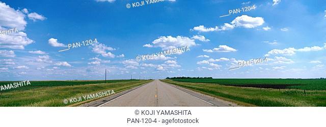 Prairie Highway, near De Smet, South Dakota, USA
