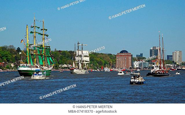 Run-in parade at the Hamburg harbour birthday, Hamburg, Germany