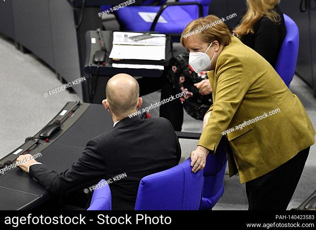 Ralph Brinkhaus and Angela Merkel at the 215th session of the German Bundestag in the Reichstag building. Berlin, 04.03.2021 | usage worldwide