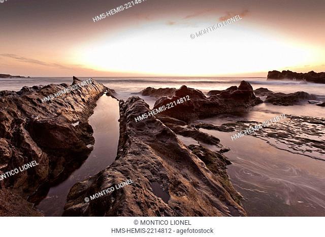 Spain, Canaries Islands, Lanzarote island, the beach of El Golfo