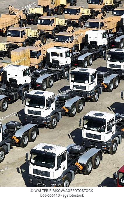 OMAN-Muscat-Mutrah: Mutrah Port / Muscat Port Area / New trucks