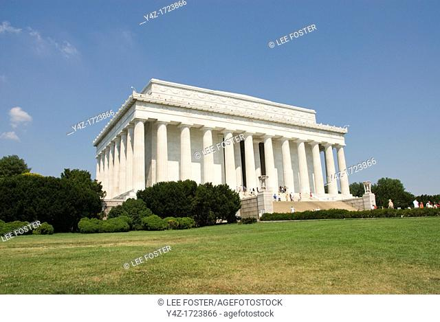 Washington DC, USA, the Lincoln Memorial, a monument to President Abraham Lincoln, on the National Mall