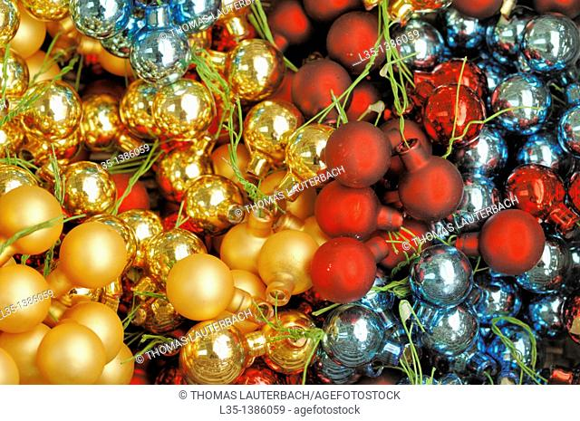 Small Christmas tree balls of different colors, close up