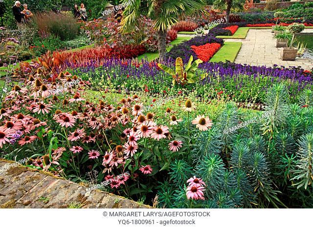Sunken garden, Kensington gardens, London, England