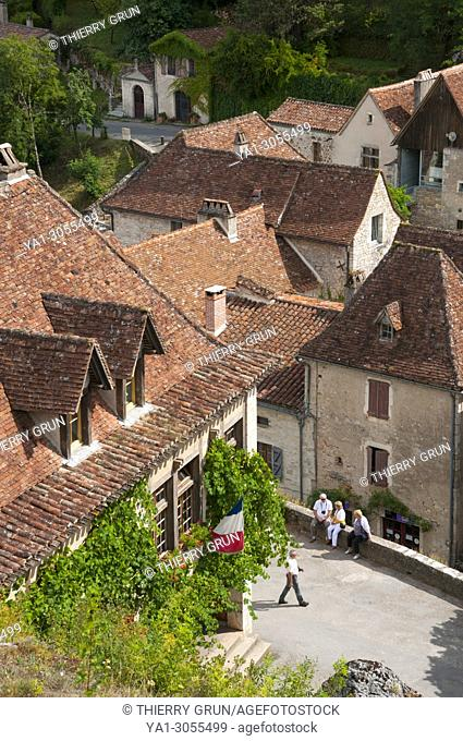 France, Quercy, Lot (46), Saint-Cirq-Lapopie village, old street