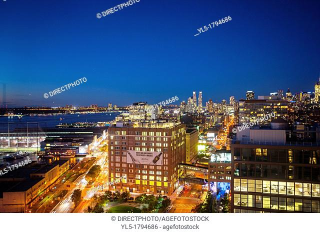 New York, NY, USA, Nighttime Overviews, Cityscapes from Top of the Standard Hotel Bar Rooftop Terrace, Meatpacking DIstrict, Manhattan