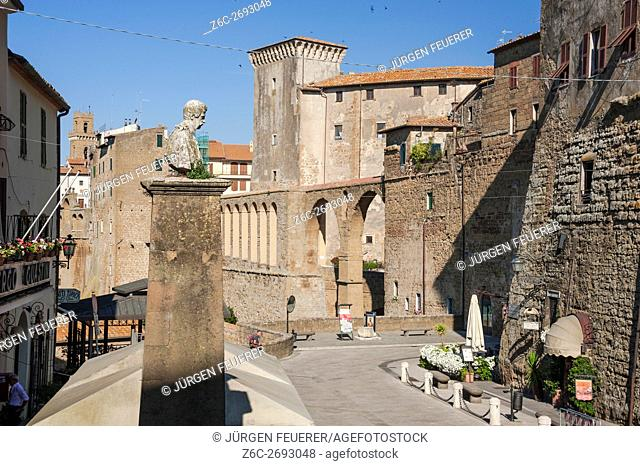 Pitigliano on rocks, narrow high built houses, built of volcan tuff stone, Tuscany, Italy