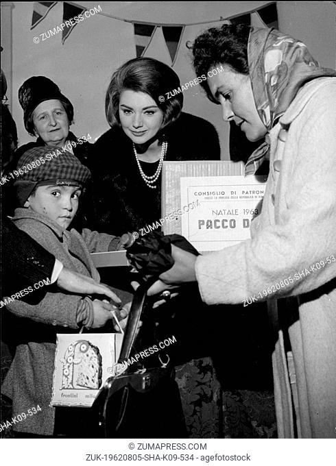 Aug. 5, 1962 - London, England, U.K. - Actress SYLVA KOSCINA (1933-1994), born as Sylva Koskinon, was a Yugoslavian-born Italian actress best remembered as Iole