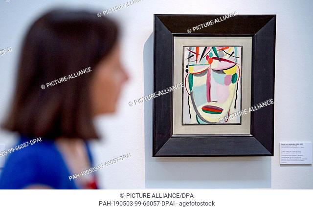 """03 May 2019, Saxony, Chemnitz: Alexej von Jawlensky's work """"""""Heilandsgesicht"""""""" (Around 1919) can be seen during a preview in the art collections"""
