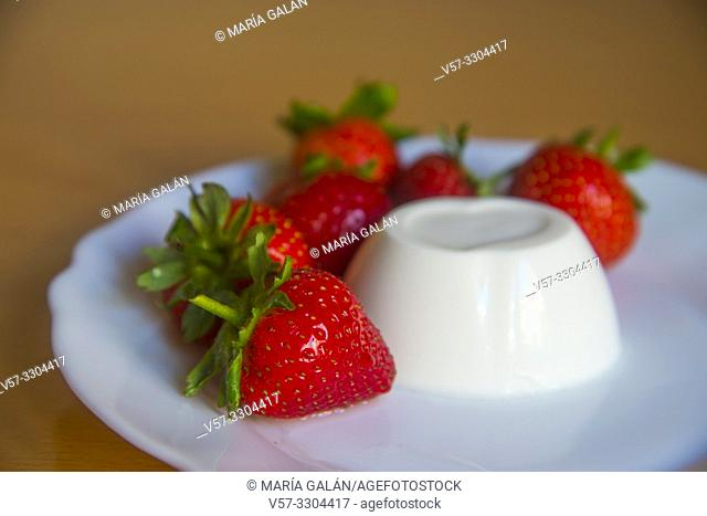 Strawberries with cottage cheese