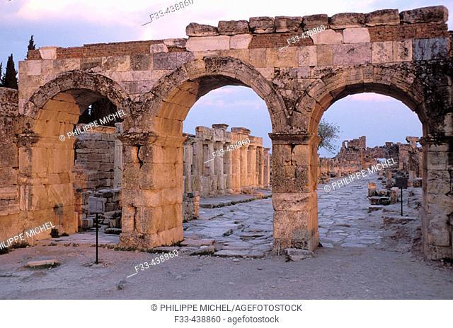 Turquie. Province of Denizli. Pamukkale Hierapolis