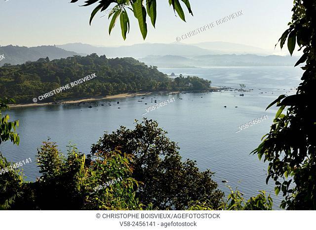 Myanmar, Rakhine State, Thandwe (Ngapali) surroundings, Lon Tha bay from above