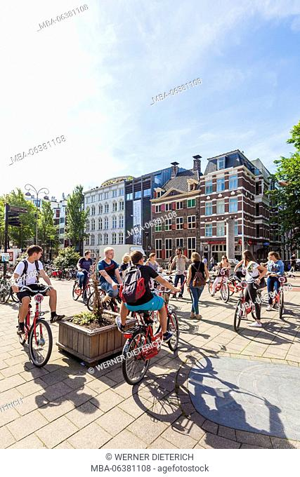 The Netherlands, Amsterdam, Old Town, guided cycling tour in front of Rembrandt House Museum, Rembrandt House, art museum