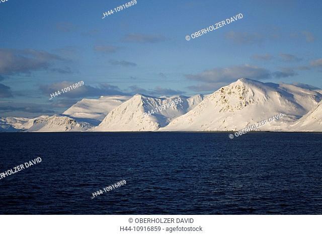 Europe, Scandinavia, Norway, Hurtigruten, sea cruise, MS, Polarlys, cruise, ship journey, cold, mailboat, packet ship, snow, landscape, winter, snow mountains
