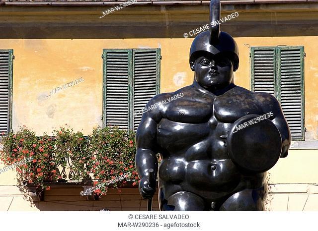 europe, italy, toscana, pietrasanta, sculpture of fernando botero