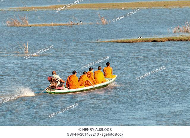 Monks, visiting, Thale, Noi, Phatthalung, Thailand