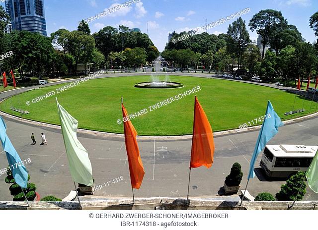 Flags and fountain on the plaza, Reunification Palace, Ho Chi Minh City, Saigon, Vietnam, Southeast Asia