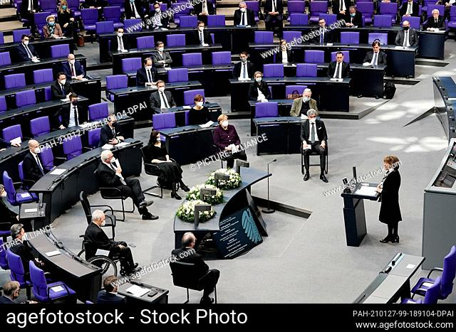 27 January 2021, Berlin: Charlotte Knobloch (r), President of the Jewish Community of Munich and Upper Bavaria, delivers the commemorative speech at the German...